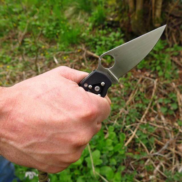 Basic hammer grip.